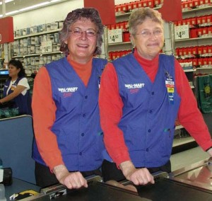 Jan and Sya at the checkout
